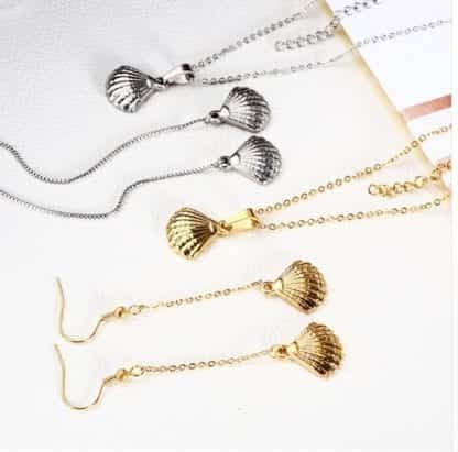 Women's Sea Shell Necklace and Earrings Set 1