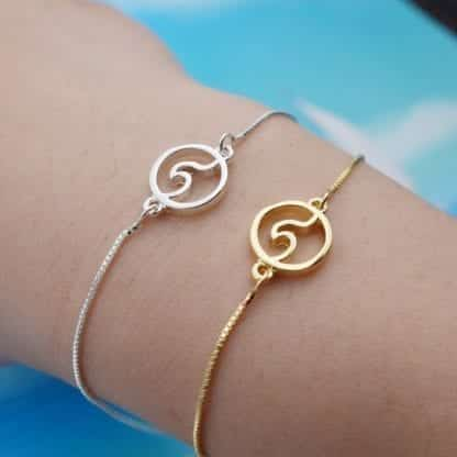 Women's Wave Charm Chain Bracelet 1