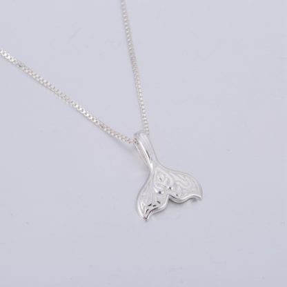 Women's Whale Tail Chain Necklace 3